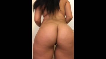 Latina hermosa de cuerpo increíble