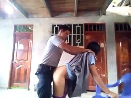 El policía follando a una estudiante