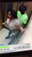 Pillados teniendo sexo en el ascensor