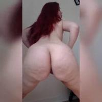 Culona pelirroja haciendo Twerking desnuda
