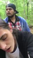 Primos cogiendo en el bosque, de camino a la casa de campo de su tio