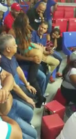 VARIAS STRIPPER DOMINICANAS entran al coliseo a mostrar sus curvas y bailar en publico