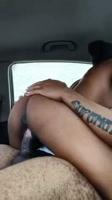 Negra adolescente montando verga dentro del carro